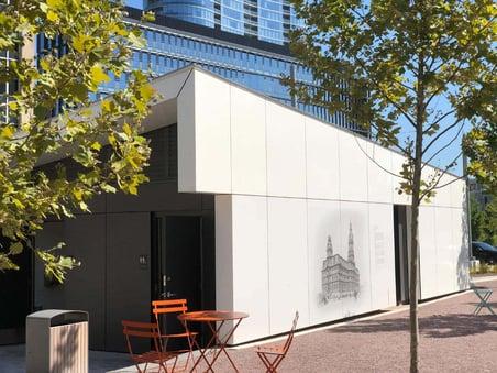 Lugar Plaza using Fundermax custom digitally printed panels to share city information