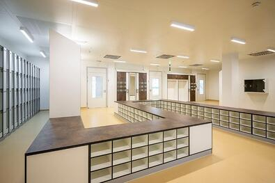 Benefits of Installing Interior HPL Cladding Panels - Employee Lockers and Bathrooms