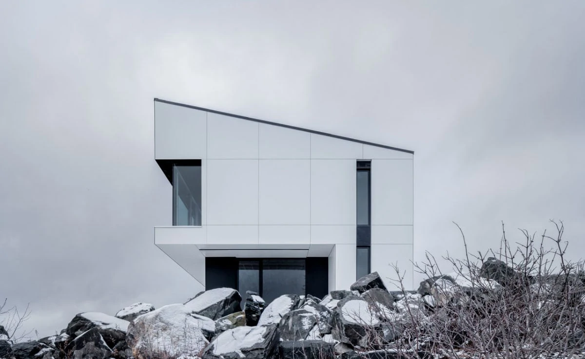 Shift House in Canada with Fundermax Rainscreen Facade Panels